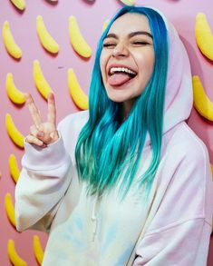 Ami Rodriguez, Batman Wallpaper, Sofia Carson, Free Youtube, Poses, Christmas Colors, Blue Hair, Kawaii Anime, Girl Power