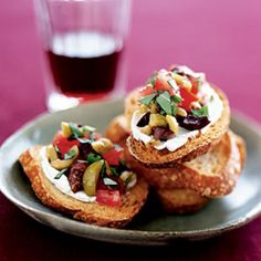 Olive-Goat Cheese Bruschetta: Throw a healthy tapas party. Step away from the mini pizzas and cheese puffs and sample these sophisticated, healthier tapas recipes. Tapas Recipes, Appetizer Recipes, Appetizers, Cooking Recipes, Tapas Ideas, Recipies, Crab Recipes, Party Recipes, Food Ideas