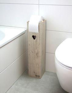 Individueller Klopapierhalter aus Holz mit kleinem ausgefrästen Herz / wooden toilet paper box, bathroom made by Klaus Heilmann via DaWanda.com