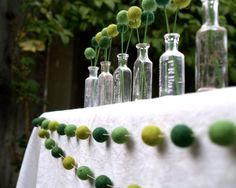Cute garland for a St. Patrick's Day Wedding! Find more adorable finds in today's post on 3d-memoirs.com