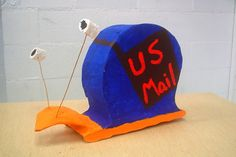 visual pun with recycled cardboard armature. Sculpture Lessons, Sculpture Projects, Sculpture Clay, Clay Projects, Sculptures, High School Art, Middle School Art, High School Ceramics, Visual Puns