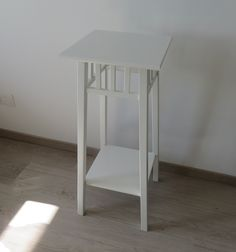Price: 20 CHF. Pedestal from IKEA (see link for details)