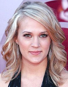 Carrie Underwood with Simply Elegant Neat Curled Medium Haircut - Beautiful Hairstyles