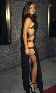 Carmen Electra at the 1997 MTV Video Music Awards: The VMAs' fashion has been as memorable as the people at it. See all the wildest looks.over its history. Revealing Dresses, Sexy Dresses, Sexy Outfits, Vintage Dresses, Carmen Electra Hair, Mtv Movie Awards, Music Awards, Red Carpet Fashion, Dress To Impress