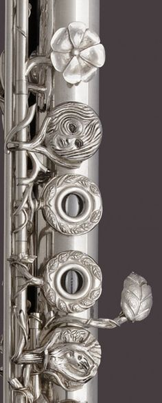 Beautiful hand made flute by John Lunn..... my inner flute band geek wants this…