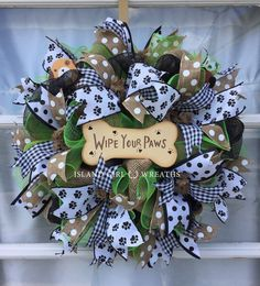 This beautiful wipe your paws wreath is made on a work wreath form using a 21 wide deco mesh layered Mesh Ribbon Wreaths, Burlap Wreaths, Deco Mesh Wreaths, Holiday Wreaths, Holiday Crafts, Tulle Wreath, Winter Wreaths, Floral Wreaths, Spring Wreaths