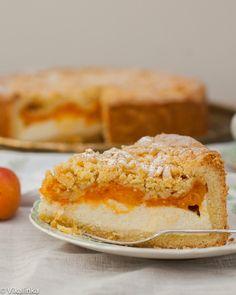 Crumb Apricot Cheesecake - Vikalinka