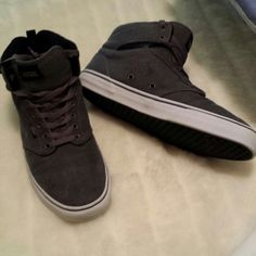 MEN'S ATWOOD VANS CHARM AL GRAY SZ 12 Like NEW Men's Atwood Vans size 12. Worn only 3 times, in Charcoal Gray. NICE shoe! Vans Shoes Sneakers
