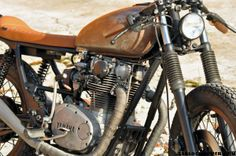 a2012 83 1 600x398  lefthandcycles XS650 Acid King