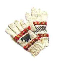 【サフォーク製草木染め羊柄編込み手袋】生成りの地色に羊柄の部分はジャコブの羊毛をそのまま使用し、赤色はスオウ(植物)、黄緑はヨモギで草木染めをした毛糸で編み込みした手袋です。手首までの長さ17cm~18cm(婦人用)で地色がこげ茶で羊部分が生成りのバージョンもあります。商品ページ→ http://petit-merry.shops.net/item?itemid=2013