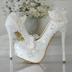 Cheap shoe station shoes, Buy Quality shoes tuxedo directly from China shoe fixtures Suppliers: Women Wedding Shoes Thin Heels High Heels Shoes Woman Beading Pearl Bride Shoes Woman's Pumps Dress Elegant Single Shoes White Wedding Shoes, Wedding Pumps, Bridal Skirts, Dresses Elegant, Lace Pumps, Lace Shoes, Women's Pumps, Butterfly Wedding, Pearl And Lace