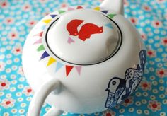 Medium/large sized bird and bunting teapot by Ninainvorm on Etsy, €54.00 I love tea pots especially this one.. :))