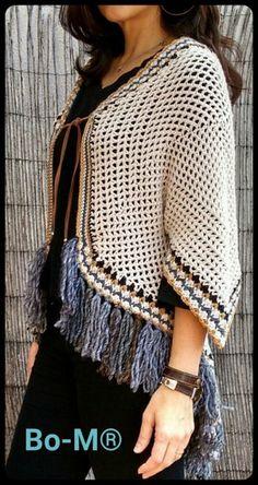 bo-m crochet kimonos Crochet Caplet, Crochet Poncho Patterns, Crochet Coat, Crochet Skirts, Crochet Shawls And Wraps, Crochet Cardigan, Crochet Clothes, Clothes Crafts, Crochet Designs