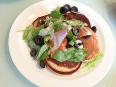 pancake -with fresh salmon salad. パンケーキを焼いて、フレッシュなサーモンサラダと共に。