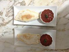 Empanadas garnie au brocoli et fromage  Sauce tomate epicé