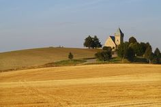 Bohemian-Moravian Highlands - the church in fields at Vítochov, Czechia Czech Republic, Nature Photos, Monument Valley, Fields, Country Roads, Landscape, Highlands, Architecture, Bohemian