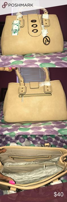 Tan Alyssa Purse Tan purse with compartments. Vegan and lead free. Price negotiable. Bags