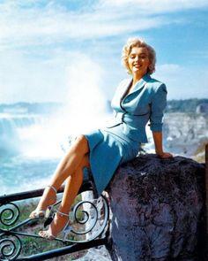 Marylin Monroe, Niagara Falls, June - 1952
