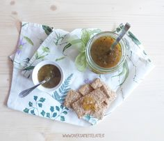 Confettura di kiwi e zenzero Marmalade, Kiwi, Panna Cotta, Ethnic Recipes, Sauces, Food, Cream, Canning, Dulce De Leche