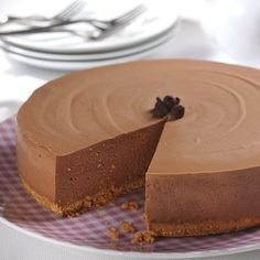 This elegant no-bake cheesecake will take pride of place on any dessert table. A base of gelatin and cream cheese makes the perfect setting for chocolate chips and whipped cream topping.