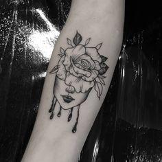 Tatuagem criada pela artista Vitória Marcondes (vi.marcondestattoo) de São Paulo. Inspiration Tattoos, Tattoo Ideas, Body Art Tattoos, Tattos, Inspirational, Woman, Drawings, Beauty, Tattoo Designs