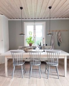 Dining Table Chairs, Kitchen Chairs, Dining Furniture, Dining Area, Furniture Decor, Scandinavian Home, Cool Rooms, Decoration, House Design