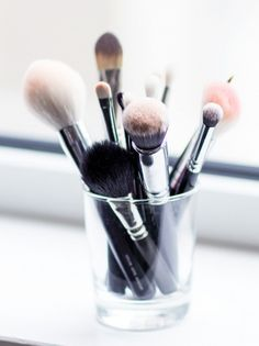 The most important cosmetic tools: make-up brushes - afterDRK