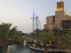 Wat te doen in Dubai. Een stedentrip in Dubai heeft alles. De winkels van New York, een mooi strand, de beste nachtclubs van de...