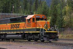Burlington Northern Santa Fe Railroad pictures, free use image, 25-44 ...  No longer the Burlington Northern RR.