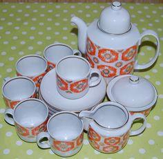 http://www.ebay.de/itm/Kaffee-Mokka-Service-Henneberg-Porzellan-Nie-benutzt-worden-ca-40-Jahre-alt-NEU-/201311593133?pt=LH_DefaultDomain_77