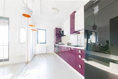Bucătărie Grape - Mobilier La Comandă - Fabrică București Vanity, Mirror, Kitchen, Furniture, Design, Home Decor, Dressing Tables, Powder Room, Cooking