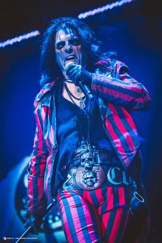 Anything & everything Alice Cooper Alice Cooper, Classic Rock And Roll, Rock N Roll, Heavy Metal, Eyes Artwork, Blood Brothers, Vampire Weekend, Halestorm, Rock Legends