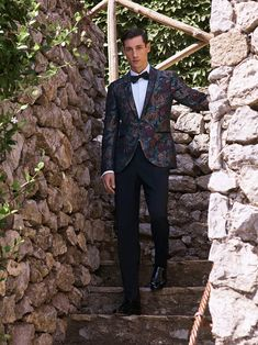 Luxury & Vintage Madrid, offers you the best selection of contemporary and classic clothing in the world. Classic Outfits, Casual Outfits, Vintage Outfits, Vintage Clothing, Men's Clothing, Luxury Branding, The Selection, Madrid, Menswear