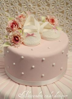 Baptism Cake (without the shoes. and better flowers). Torta Baby Shower, Tortas Baby Shower Niña, Christening Cake Girls, Baptism Cakes, Bolo Cake, Baby Girl Cakes, Cute Cakes, Cake Art, Beautiful Cakes