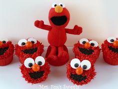Elmo Cupcakes by elinor