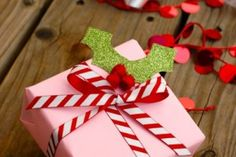 10 Strategies for Organized Gift Wrapping