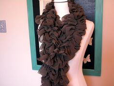 Tutorial for how to make a ruffled scarf