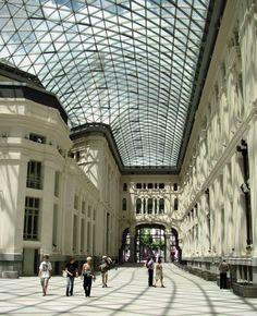 http://guias-viajar.com/madrid/ Galería de Cristal del Palacio de Cibeles en Madrid