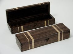 walnut keepsake box with maple stripes and box joints