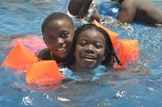 Learning to swim, Ghana | Find opportunities to teach, travel and volunteer with www.frontiergap.com | #education