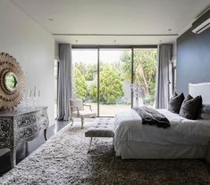 Are mirrors in the kitchen good feng shui? How about the feng shui of mirrors in the bedroom? Find out the best and the worst feng shui use of mirrors - from your main entry to your living room.: Summary of Good and Bad Use of Mirrors Gray Bedroom, Bedroom Wall, Master Bedroom, Bedroom Decor, Bedroom Ideas, Feng Shui Bedroom Mirror, Full Length Mirror In Bedroom, Rug Under Bed, Consejos Feng Shui