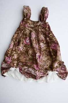 I love this! It comes with a diy tutorial, it started as a skirt. <3