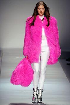 Blumarine Fall 2012 — Runway Photo Gallery — Vogue