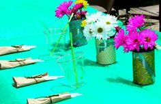 Decoracion de mesas. Botes de lata reciclados y decorados