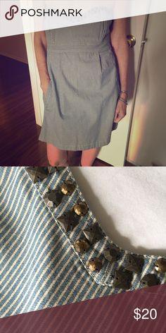 Abercrombie and Fitch denim dress! Abercrombie and Fitch denim dress. Pockets. Square and round stud trim. Strapless. Machine washable. 100% cotton. Abercrombie & Fitch Dresses Strapless