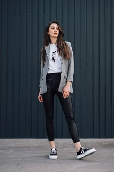 autumn | summer outfit | autumn outfit | spring outfit | autumn fashion | womensoutfit | casual outfit | women autumn outfit | womens gray blazer | womens white t-shirt | printed t-shirt | womens black pants | womens leather pants | womens black sneakers | VANS sneakers | fashion inspo | outfit inspo #ootd #factcooloutfit