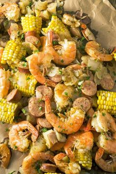 Easy Low Country Boil - A classic Southern seafood recipe with crab, shrimp, potatoes, sausage, and corn on the cob. Seafood Boil, Seafood Dishes, Seafood Recipes, Cajun Recipes, Andouille Sausage Recipes, Sausage Seasoning, Entree Recipes, Dinner Recipes
