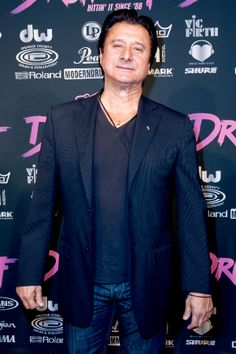 """Steve Perry 'Showed Up Unannounced to Rehearsals,' Eels Vocalist Says """"I don't know why he chose St. Paul,"""" vocalist E says of former Journey singer. """"Only he could tell you that""""   Read more: http://www.rollingstone.com/music/news/steve-perry-showed-up-unannounced-to-rehearsals-eels-vocalist-says-20140529#ixzz33Ra6RoOf  Follow us: @Rolling Stone on Twitter   RollingStone on Facebook"""