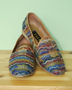9521a202d93 Vtg. Zalo Multicolor Needlepoint and Leather Flats    1980s Smoking Flat  Slippers    Tapestry Loafers