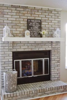 63 Ideas Farmhouse Fireplace Makeover Whitewashed Brick For 2019 White Wash Brick Fireplace, Farmhouse Fireplace Mantels, Painted Brick Fireplaces, Paint Fireplace, Brick Fireplace Makeover, Fireplace Remodel, Living Room With Fireplace, New Living Room, Living Room Decor